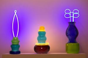 Hamel Trittico ceramiche e neon foto Luisa Lanza 2011